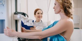 Cancro al seno: anticipare la mammografia a 40 anni può ridurre la mortalità del 25%