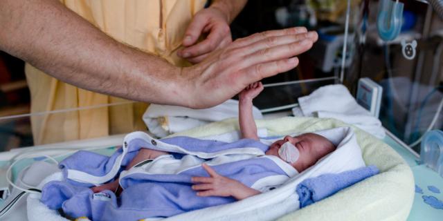 Tutelare i bimbi prematuri, le iniziative in occasione della Giornata Mondiale