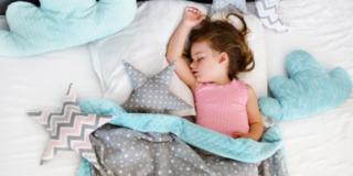Il sonno nei bambini è importantissimo e la melatonina lo aiuta
