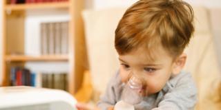Fare l'aerosol ai bambini è più facile con l'aiuto di un supereroe