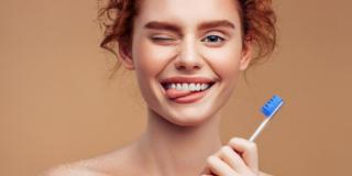 Denti fragili: le donne sono più a rischio