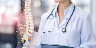 Osteoporosi: la prevenzione inizia nell'adolescenza
