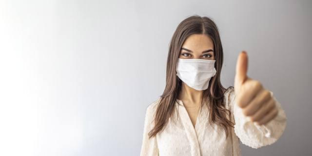 Si chiama maskne  la nuova malattia della pelle