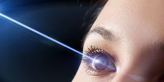Interventi agli occhi: il laser si può fare anche due volte