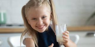 Sì ai probiotici per la salute della bocca dei bambini