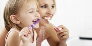 La pulizia dei denti contro il Covid-19?
