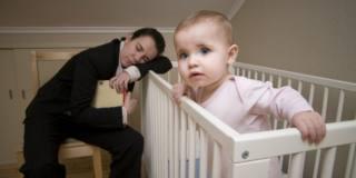 Neomamme: la carenza di sonno fa invecchiare prima