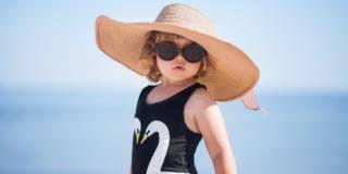 Bimbi al sole: con i più piccoli serve massima prudenza