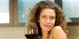 La nuova etichetta del vino indicherà anche le calorie