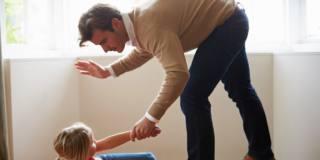 Le punizioni fisiche non aiutano la crescita dei bambini
