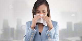 Tumore al seno: tra le cause anche lo smog