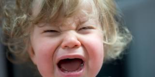 Fa i capricci o ha davvero male? Come capire perché il bambino piange
